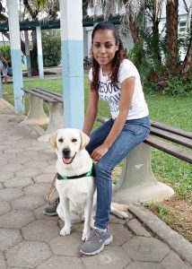 Hund Kalil und seine neue Führhundhalterin.
